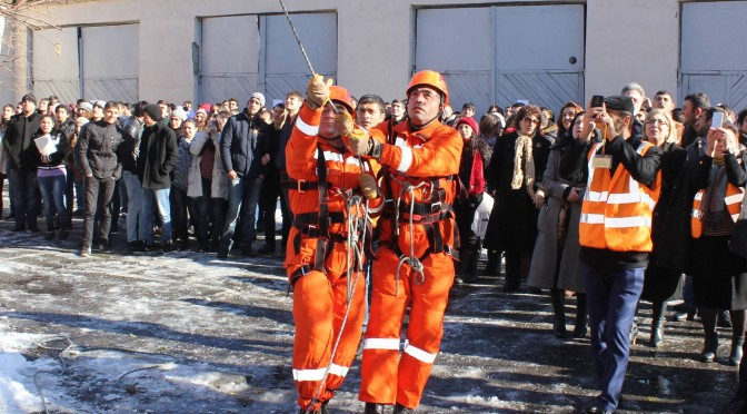 EVACUATION-TRAINING WITH THE INITIATIVE OF CRISIS MANAGEMENT STATE ACADEMY STUDENTS