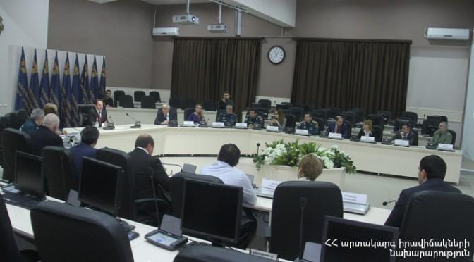 Աշխատանքային հանդիպում ՀՀ ԱԻ նախարար Դավիթ Տոնոյանի հետ